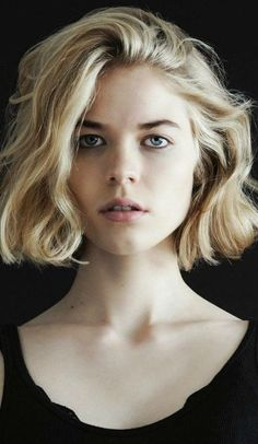 Curly bob hairstyles 2017 http://rnbjunkiex.tumblr.com/post/157432256917/beautiful-short-hairstyles-for-oval-faces-short