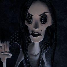 editscartoons — i love movies in that 'creepy' style like or. Coraline Movie, Coraline Art, Coraline Jones, Coraline Tattoo, Estilo Tim Burton, Tim Burton Art, Tim Burton Films, Creepy, Spooky Scary