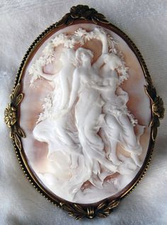 HUGE-ANTIQUE-FRENCH-ART-NOUVEAU-CAMEO-BROOCH-The-Charites-MUSEUM-QUALITY-14K