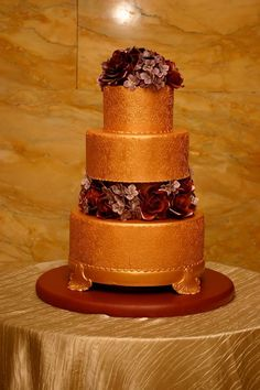 Photo: Corinna Raznikov Photography; So Incredibly Pretty Wedding Cakes - MODwedding; Cake: Confectionery Designs