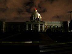 El Palacio Nacional apagó sus luces anoche para proteger el medio ambiente