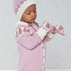 DG396-09 Pippa jakke, lue & votter | Dale Garn Crochet Hats, Fashion, Threading, Knitting Hats, Moda, Fashion Styles, Fashion Illustrations