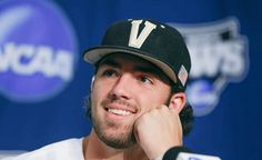 Vanderbilt SS Dansby Swanson , the first overall draft pick for signs with ARI, July 2015 Hot Baseball Players, Espn Baseball, Baseball Socks, Braves Baseball, Baseball Tickets, Baseball Score Keeping, Baseball Field Dimensions, Dansby Swanson, Vanderbilt Commodores
