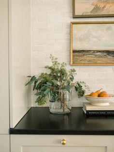 Home Interior Salas .Home Interior Salas Kitchen Styling, Kitchen Decor, Kitchen Art, Plants In Kitchen, Kitchen Vignettes, Kitchen Interior, Kitchen Ideas, Cocina Office, Country Look