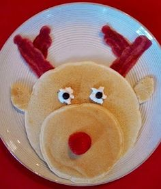 Definitely making these cute pancakes on Christmas morning!