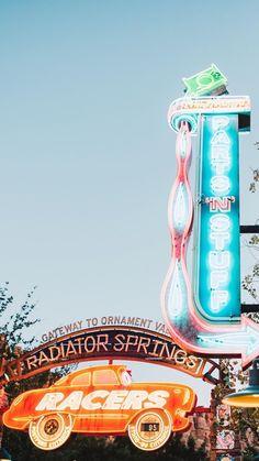 Credits to Sean Spansel - insta (spanselphotos) Disney Day, Cute Disney, Disney Trips, Disney Parks, Disney Magic, Disney Vacations, Disney Background, Collage Background, Photo Wall Collage