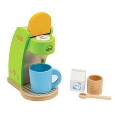 Un petit café? Quel enfant ne se réjouit pas de faire un petit café (ou un thé d'ailleurs!) à une grande personne? Ce jouet est livré avec une tasse, une petite cuillère, un sucrier et une brique de lait.