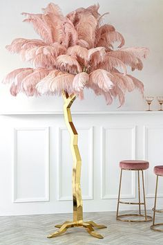 Wow, this is a stunning pink ostrich feather gold floor standing tree sculpture. It's styled on a palm tree design and the pink feathers work wonderfully with the twisted gold tree trunk. This would look amazing in the right interior space! Beauty Room Decor, Beauty Salon Decor, Feather Lamp, Feather Tree, Schönheitssalon Design, Pink Design, Living Room Decor, Bedroom Decor, Living Rooms