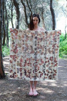 M.Y. garden | Youliana Manoleva - Alberelli – ingenuo - lana vintage Armani, impressione diretta di materiale vegetale. wool, botanical print. #wool #natural #dyes #print#natural #dyes #print #plants #accessories #mygarden