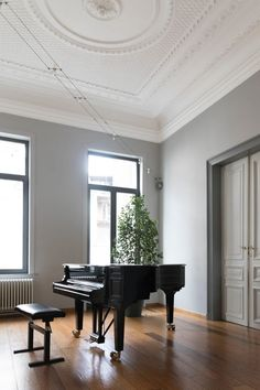How A Modern Piano Can Transform Your Living Room - Decorology