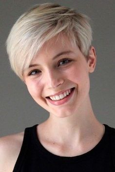 The Hottest Variations Of A Long Pixie Cut To Look Flawless ★ A long pixie cut is a hair decision you won't regret! Ideas for all hair types and style preferences are here to make you inspired for hair changes. Edgy Pixie Cuts, Long Pixie Cuts, Short Hair Cuts, Short Hair Styles, Short Blonde Pixie, Cute Pixie Haircuts, Long Pixie Hairstyles, Straight Hairstyles, Cut Hairstyles