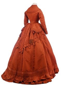 Vestidos Vintage - Worth day dress, From the Museo de la Moda Civil War Fashion, 1800s Fashion, 19th Century Fashion, Victorian Fashion, Vintage Fashion, Emo Fashion, Ladies Fashion, Dress Fashion, Vintage Gowns