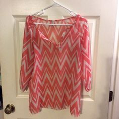 Preppy Chevron Top This super cute and preppy light pink and white top was used once for an event... Was bought from a local boutique. Perfect for everyday wear or even used to dress up! Looks adorable with white pants and pearl earrings! ❤️ Tops Blouses