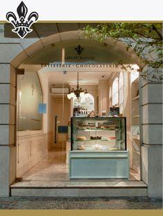 SAINTE JEANNE .Pastelería clásica francesa  Macarons, Croissants, Pain au Chocolat, torta Opera, torta Concorde, entre otros.Mar del Plata.Argentina