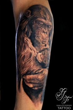 #tattoo #tatuaggi #napoli #naples #gianlucaferrarotattoo #italy #tattedup #realistic #tatuatori #art #passion #love #happy #like #fineart #bodyart #atwork #realismo #ink #beautiful #freehand #arte #artist #tatuatore #tatts #inkedup #photooftheday #tattoist #tagsforlikes #greenglide #tat #tat2 #tattooitalia #tattoonaples #tatuatorinapoli #realismtattoo #tatuaggibiancoenero #tattooblackandgray #blackandgrey #portrait #ritratti #animaltattoo #scimpanzetattoo #scimpanze #familytattoo #family