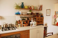 I'm in love with flora's lovely kitchen