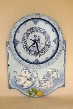 Заготовка ЧАСЫ: «Чай вдвоём… и с лимоном» http://dcpg.ru/blogs/5379/ Click on photo to see more! Нажмите на фото чтобы увидеть больше! decoupage art craft handmade home decor DIY do it yourself clock acrylic paints varnish
