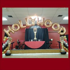 Hollywood theme party balloons for a quinceanera Hollywood Sweet 16, Old Hollywood Party, Hollywood Birthday Parties, Hollywood Theme, Homecoming Themes, Grad Parties, Themed Parties, Red Carpet Party, Dance Themes