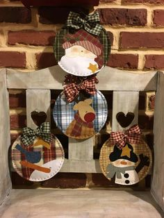 New Ideas Patchwork Quilt Navidad Snowman Decor Crafts, Holiday Crafts, Diy And Crafts, Holiday Decor, Christmas Makes, Christmas Time, Natal Country, Country Quilts, Felt Christmas Ornaments