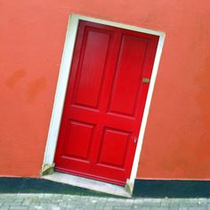 Cork >> Would I get used to this awesome door or would I get dizzy every time I came home? #JetsetterCurator