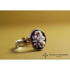 Cameo italiano - #Ring Petals #jewels #jewelry #anello Petali #gioielli http://www.patriciapapenberg.com/default/kleine-preziosen/cameo-italiano/cameoitaliano-ring-petals.html