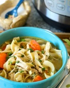 Get the flavors of a cooked all day kind of soup in minutes with this Easy Instant Pot Chicken Noodle Soup Recipe! So easy, in under 20 minutes you will have delicious homemade chicken noodle soup! Cooker Recipes, Crockpot Recipes, Soup Recipes, Chicken Recipes, Dinner Recipes, Dinner Ideas, Hamburger Recipes, Recipe Chicken, Recipies
