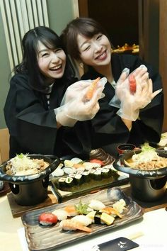 Look! Our Nigiri-zushi (hand-pressed sushi ❤  #japan #japankuru #cooljapan #tokyo #100tokyo #roppongi #shabushabu #hassan #sushi #meetmejapan