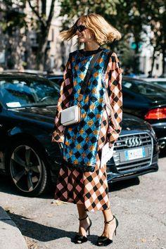 Confira os looks mais legais de moda rua da Milan Fashion Week .