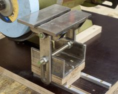 Bench grinder tool rest plans DVDs and Supplies Precisely accurate So plan on studying the diagrams and doing some basic math Order Woodworking Plans Aftermarket tool rests