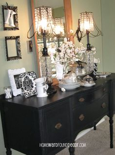 black and white winter decor from HOMEWARDfound Decor (and yes, those are my original lampshades, too!)