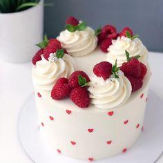 Cake Decorating Designs, Cake Decorating Techniques, Cake Designs, Pretty Birthday Cakes, Pretty Cakes, Mini Cakes, Cupcake Cakes, Cupcakes, Fruit Cake Design
