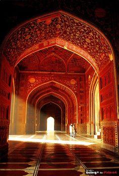 beautiful Moorish style arches.