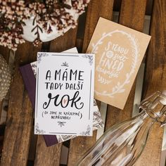 #chaukiss #uzivejsimalickosti #greetingcard #greetingcards #cz#ilustrace #illustration #birthdaycard #wedding #svatba #paper #art #vyroci Motto, Cardmaking, Paper Art, Origami, Birthday Cards, Place Cards, Greeting Cards, Presents, Place Card Holders