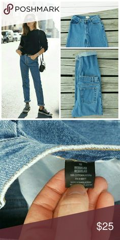 "Vintage Arizona High Waisted Mom Jeans This listing is for a classic pair of Arizona high waisted denim jeans,medium blue wash. 8/10 condition   The tag states size 16 ( possibly juniors? ) but ABSOLUTELY make sure to refer to measurements before purchasing !  Waist 12.5""  Rise 10"" Hip 19""  Inseam uncuffed 28"" **based off of waist measurement this pair could possibly fit a 24/25  **model in first photo is for styling inspiration only  #vintage #shopdistracted Vintage Jeans"