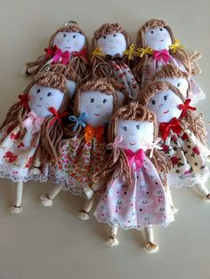 Felt Crafts, Fabric Crafts, Diy And Crafts, Arts And Crafts, Crochet Flower Patterns, Doll Patterns, Crochet Flowers, Fabric Dolls, Doll Accessories