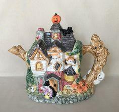 Fitz and Floyd Halloween Teapot 1993 Omnibus Haunted by DotnBettys