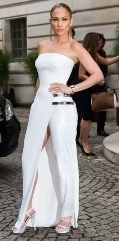 Look of the Day - July 7, 2014 - Jennifer Lopez in Atelier Versace from #InStyle