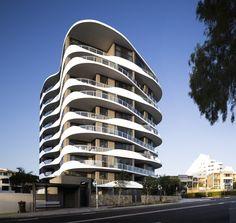 Breeze Apartments Queensland, Mooloolaba  Australia / Tony Owen Architects