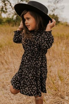 Bitsy Floral Dress - Long Sleeve Floral Dress – Fall Outfits for Girls Outfits Niños, Girls Fall Outfits, Little Girl Outfits, Little Girl Fashion, Toddler Fashion, Toddler Outfits, Girls Fall Dresses, Little Girls, Little Dorrit