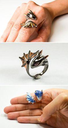Caramba  14 presentes inspirados em dragões para os aficionados no tema | Cute dragon ring, silver with yellow and blue, fantasy creatures, jewelry geek