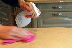 Dieser Zauberspray-Universalreiniger ist wirklich ein kleines Wunderspray. Aus einfachen Hausmitteln hergestellt lässt sich mit ihm fast der gesamte Haushalt reinigen. Rezeptur und Anleitung mit und ohne Thermomix:
