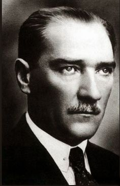 Gazi Mustafa Kemâl Atatürk World History, Art History, Blond, History Photos, Great Leaders, Dope Art, World Peace, Historical Pictures, Revolutionaries