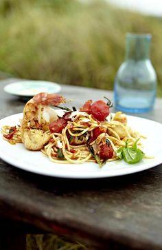 Unser beliebtes Rezept für Spaghetti mit Scampi und Spicy Tomaten und mehr als 55.000 weitere kostenlose Rezepte auf LECKER.de.
