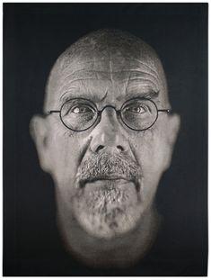 chuck-close-self-portrait-2009.jpg (908×1200)