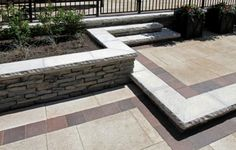 Rivercrest garden wall with paver patio by Unilock