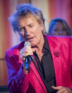 Check out Rod Stewart @ Iomoio Music Guitar, Music Tv, Great American Songbook, Queen Birthday, Rock Songs, Rod Stewart, British Rock, Latest Albums, Batman And Superman