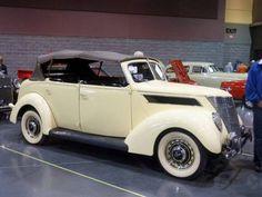 1937 Ford Deluxe Phaeton