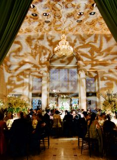A beautiful reception designed by Gloria Wong and Event Planner Jubliee Lau. The Asian Art Museum is a stunning venue for your reception. Enhanced Lighting provided drapery & lighting.