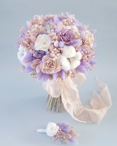 finally going on vacation 🏖🙋♀️.- Phew … finally going on vacation 🏖🙋♀️. A fading bouquet is suitable for both the bride and for decoration … - Summer Wedding Bouquets, Bride Bouquets, Floral Bouquets, Purple Wedding, Beautiful Flower Arrangements, Wedding Arrangements, Floral Arrangements, Beautiful Flowers, Flower Crown Wedding