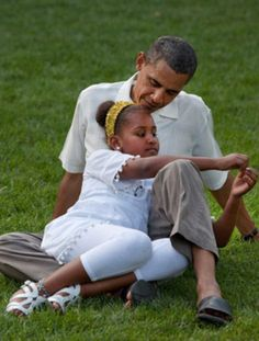 Sasha Obama and daddy, President Obama, August 8, 2010 celebrating the president's 49th birthday barbecue.